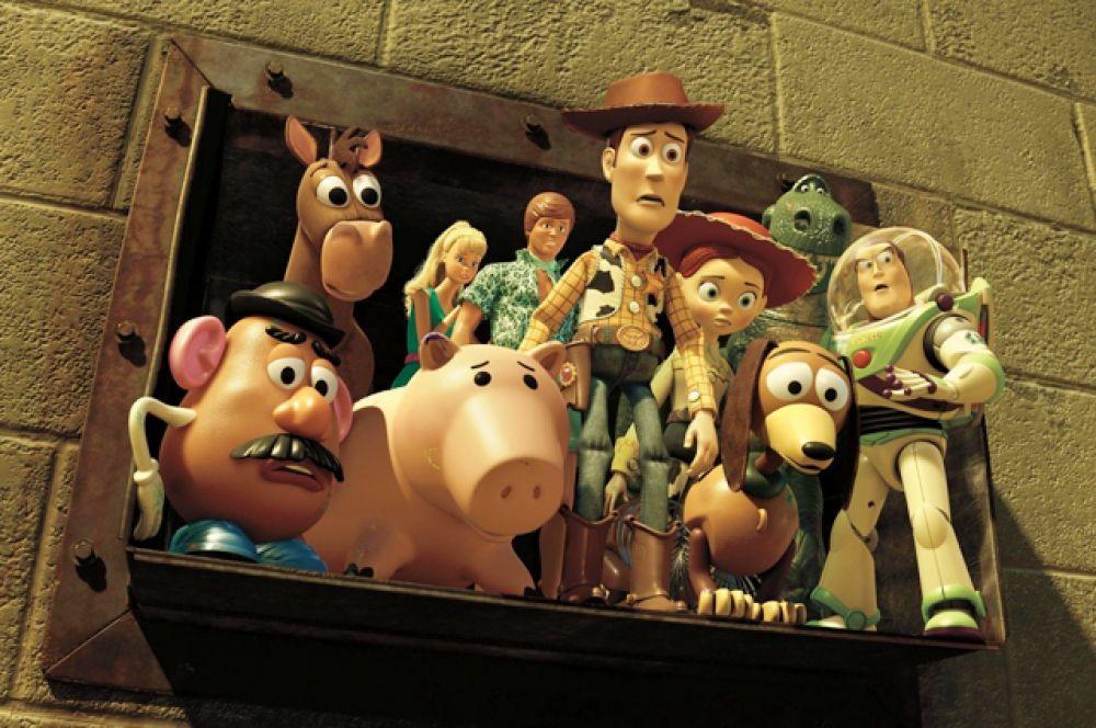 7 место. «История игрушек: Большой побег» (2010). Триквел мультфильма «История игрушек» собрал в стартовый уикенд более 110 миллионов долларов, став самым кассовым фильмом Pixar. Картина номинировалась на 5 наград «Оскар» и получила приз за «Лучший мультипликационный фильм» и «Лучшую песню».