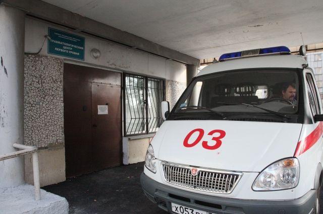 Строитель попал в больницу с тяжёлыми травмами.
