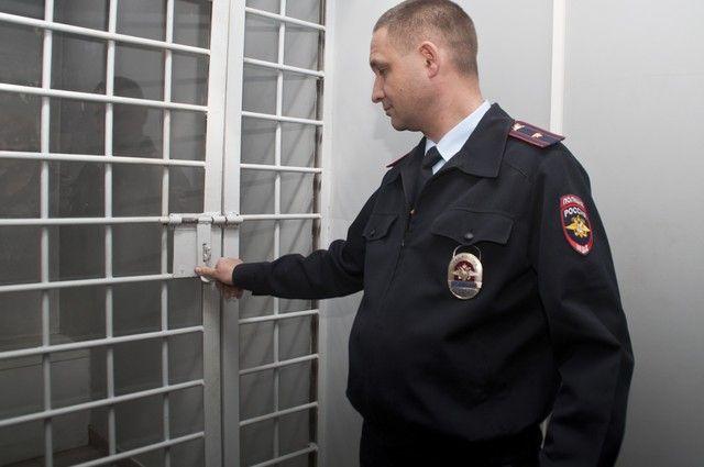 Семейная пара предстанет перед судом вНижнем Новгороде заизбиение полицейского