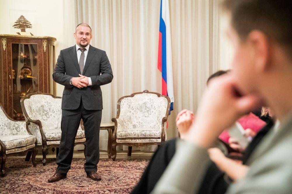 Он ближе познакомит ливанского зрителя с культурной традицией российского народа, его духовной составляющей.