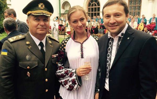 Жену министра информационной политики Украины зовут Яна Конотоп. Кстати работает Яна на телевидении. Это супруга Юрия Стеця