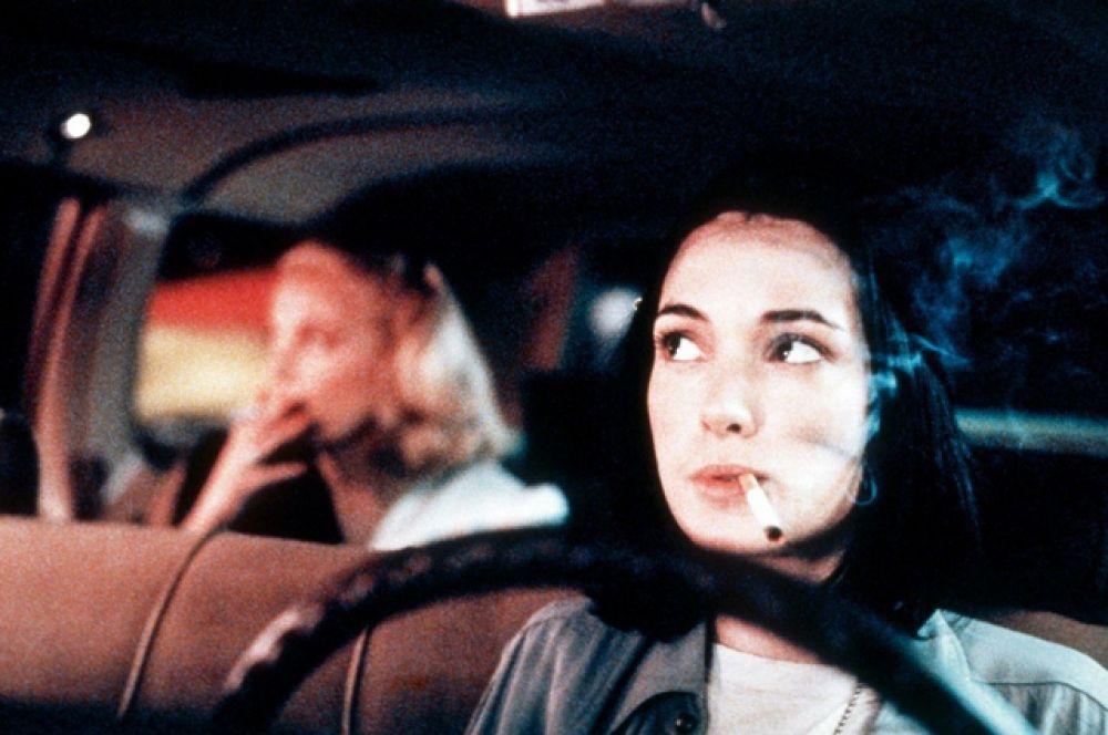 В эпизоде картины «Ночь на Земле» (1991) независимого режиссёра Джима Джармуша Вайнона появилась в роли водителя такси, мечтающего стать механиком.