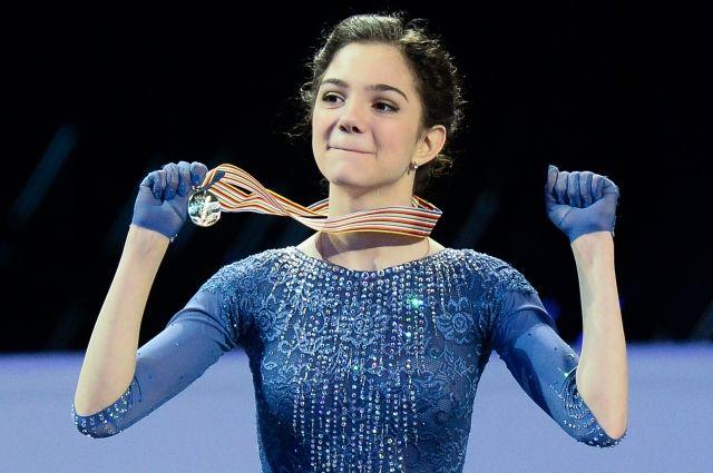 Фигуристка Евгения Медведева выиграла золото этапа серии Гран-при