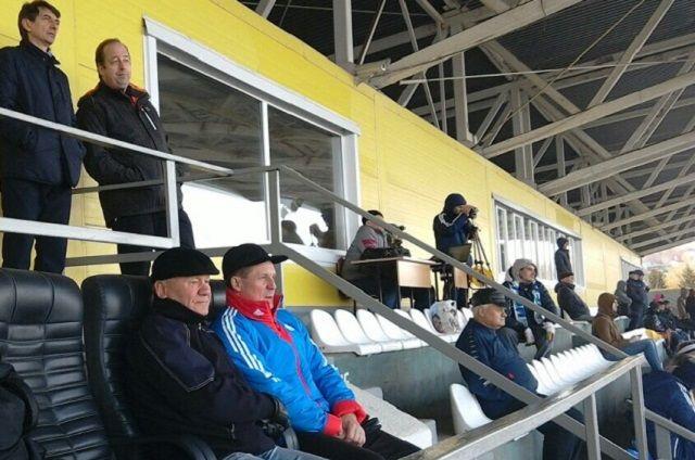 Очевидцами победы сурского клуба стали глава администрации города Пензы Виктор Кувайцев и председатель Федерации футбола Пензенской области Александр Калашников.
