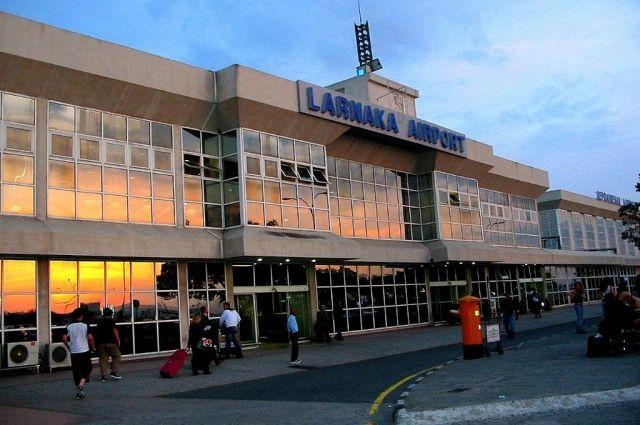 Две россиянки арестованы занападение наполицейского ваэропорту Ларнаки