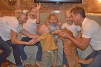 Александра уверена: будущее детей во многом зависит от того, сколько любви и заботы вложат в них родители.