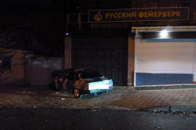 ВСтаврополе шофёр ВАЗа въехала вкирпичную стену