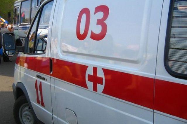 Работники бригады скорой медицинской помощи констатировали смерть мужчины