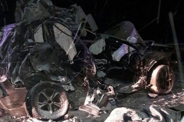 В ДТП в Башкортостане погиб человек, за жизнь другого - борются медики.