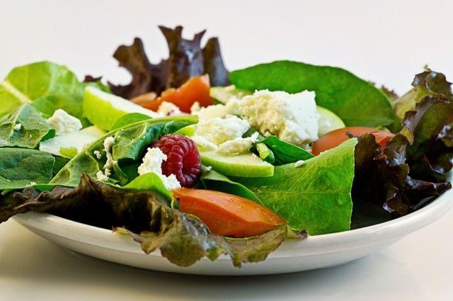 Вегетарианцы отказываются от употребления в пищу мяса.
