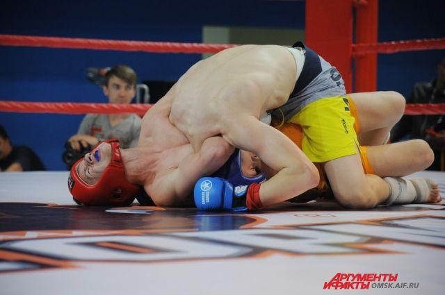 В соревнованиях приняли участие сильнейшие бойцы.