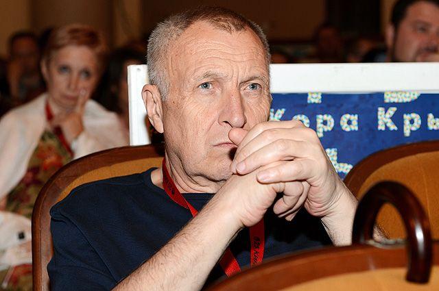 Режиссер Андрей Смирнов.