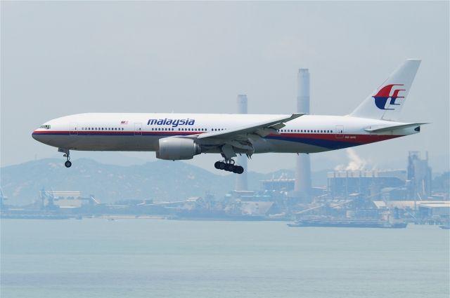 Исчезнувший лайнер MH370 неготовился кпосадке либо приводнению— специалисты