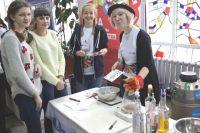 На фестивале показала, что различные науки могут быть всем интересными.