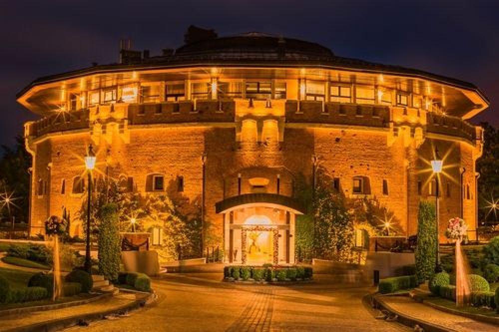 Ну и последний отель попавший в десятку лучших - Citadel Inn Hotel & Resort, который находится во Львове на ул. Грабовского 11