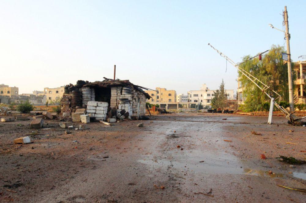 Заброшенный военный пункт на фото в Дахит аль-Асад.