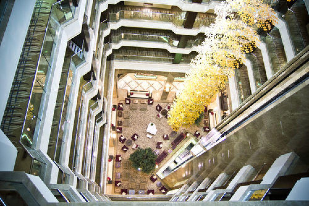 Следующий в рейтинге - Kharkiv Palace Premier Hotel, который находится на пр. Независимости 2 в Харькове
