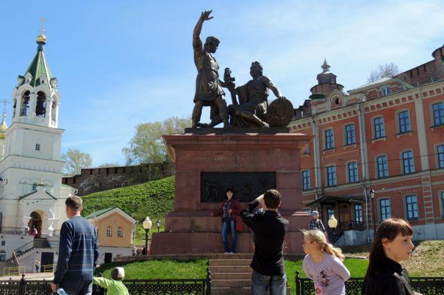 Памятник Минину и Пожарскому на площади Народного единства