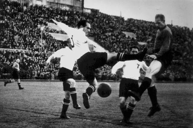 Несмотря на свой невысокий рост, Агустин Пагола Гомес отличался динамичностью, прыгучестью и координацией движений. Фото из архива Исторического Клуба Болельщиков.