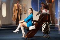 Дарья Мартышина в одной из своих любимых ролей - американки из спектакля «Боинг-Боинг»
