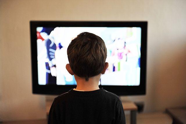 Родители всегда должны следить за тем, что смотрит их ребёнок.