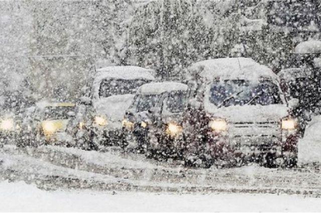 Дорожники предупредили воронежских водителей онадвигающемся снегопаде исильных порывах ветра
