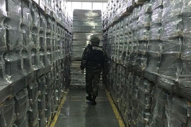 ВВинницкой обл. ищут взрывчатку наликеро-водочном заводе