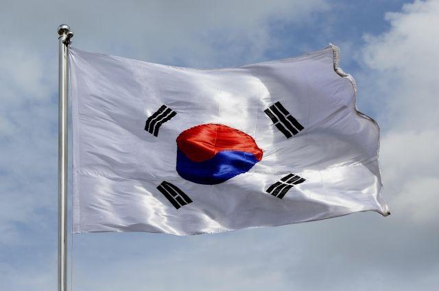 ВЮжной Корее задержали приятельницу президента итребуют отставки руководителя государства