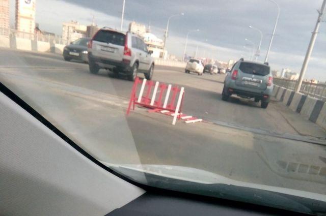 НаТургеневском мосту вКраснодаре разошелся температурный шов