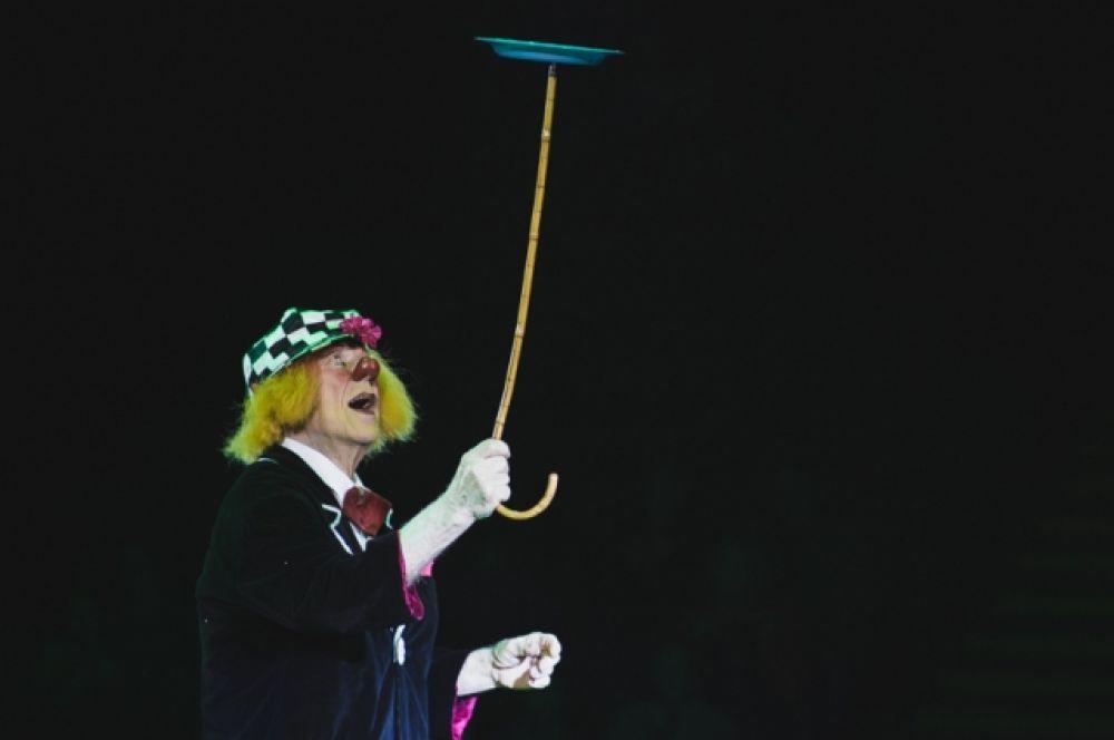 Олег Попов – известный всему миру «Солнечный клоун», Народный артист СССР, лауреат Первой международной премии циркового искусства «Мастер» в номинации «Легенда», обладатель «Золотого клоуна» в Монте-Карло.