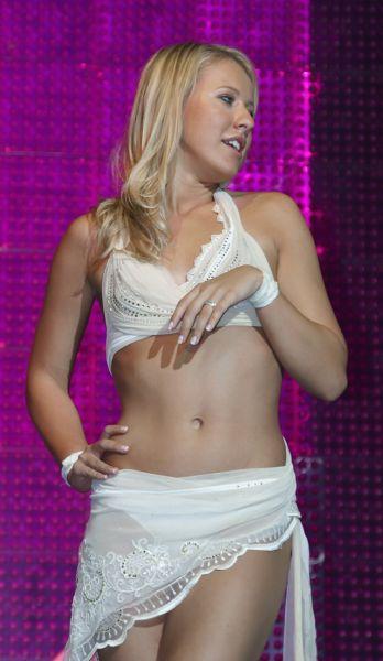 Телеведущая Ксения Собчак в клубе «Рай», 2007 год.