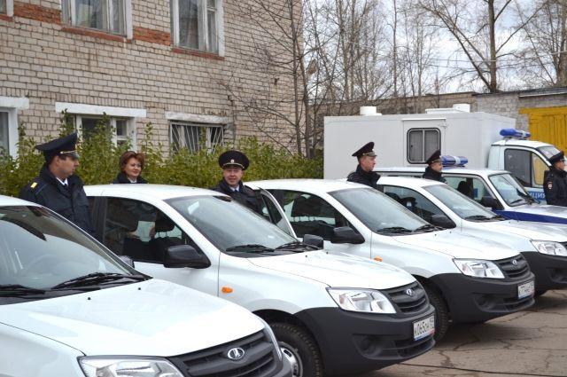 Новые машины распределят между разными службами соликамской полиции.