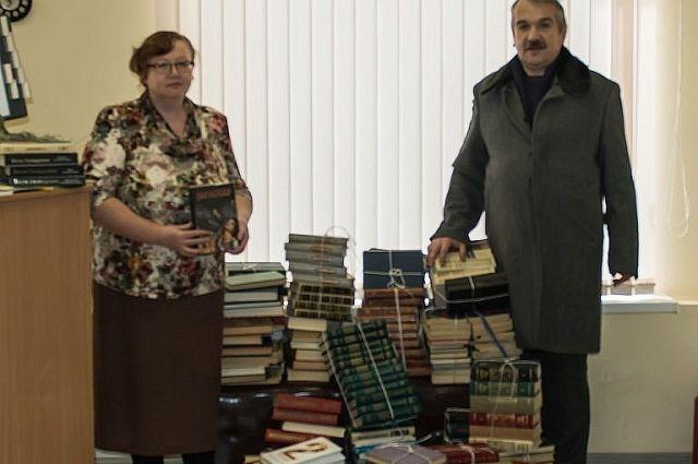 В библиотеке села Долгодеревенского теперь можно почитать и  У. Шекспира, и Ф. Достоевского, и М. Рида.