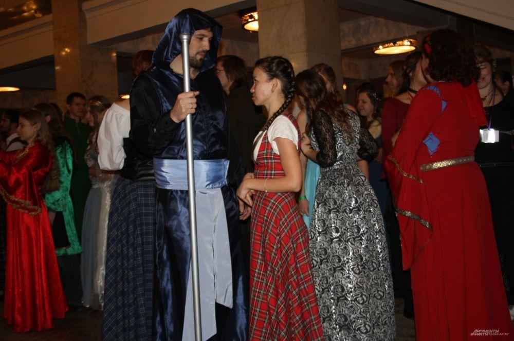 Некоторые участники фестиваля собираются менять костюмы каждый день конвента. Говорят, так намного интереснее.