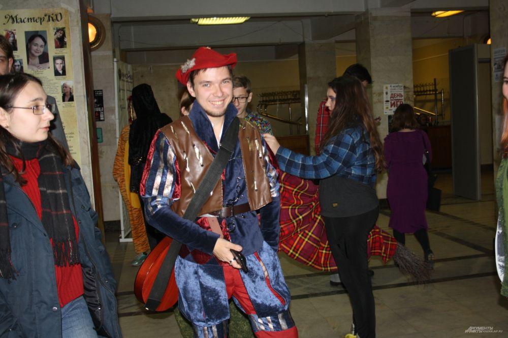 Кстати, купить интересные аксессуары, ткани, сумки можно было прямо во время фестиваля.