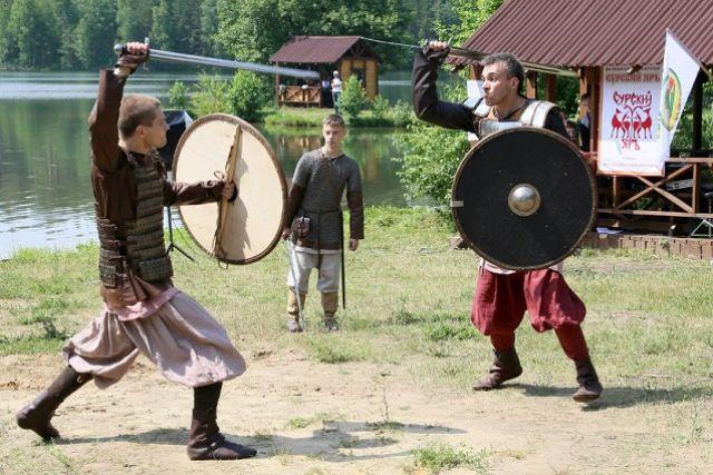 Достигнута договоренность на участие в фестивале славян из Белоруссии и Сербии.