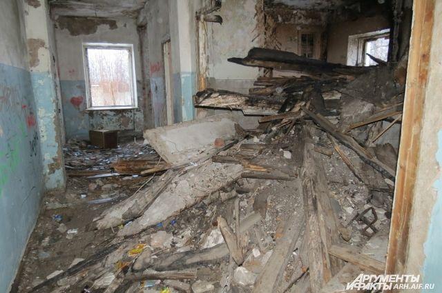 ВПетербурге взаброшенном доме отыскали обезображенный труп мужчины