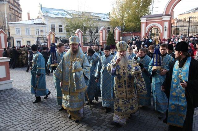 Вцентре Екатеринбурга прошёл крестный ход вчесть Казанской иконы Божьей Матери