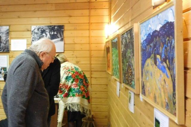 Выставка продлиться до конца ноября.