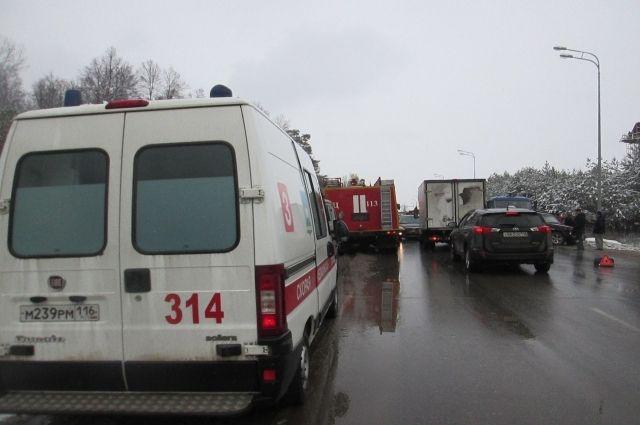 ДТП вТюмени: вЯрковской районе столкнулось семь авто