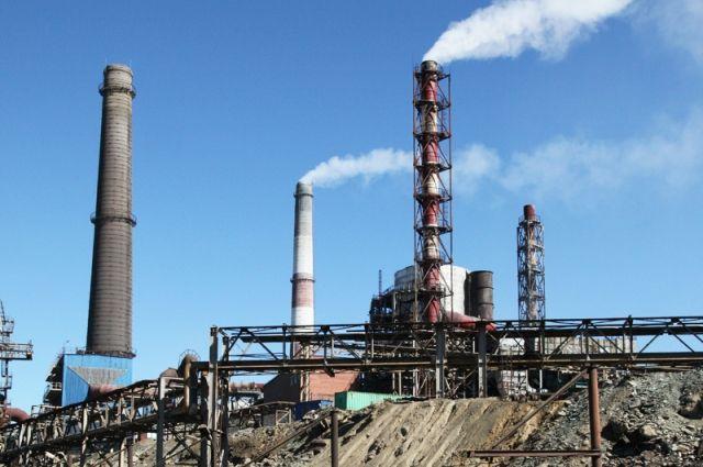 Ряд заводов вообще не имели разрешительной документации на выброс загрязняющих веществ в атмосферу, а источники выбросов не были учтены.