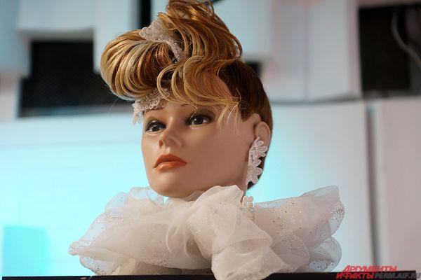 Выставка по истории моды и парикмахерского искусства открылась в доме народного творчества «Губерния».
