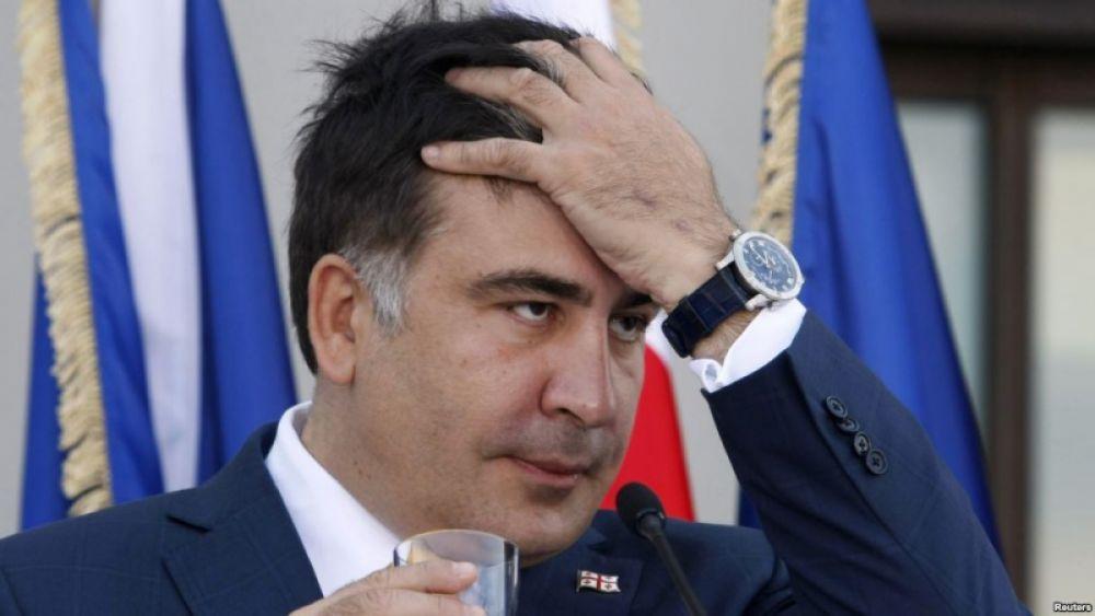 По словам Саакашвили, последней каплей для него стали электронные декларации чиновников, в которых госслужащие и депутаты указали миллионы, продолжая просить, при этом, материальную помощь