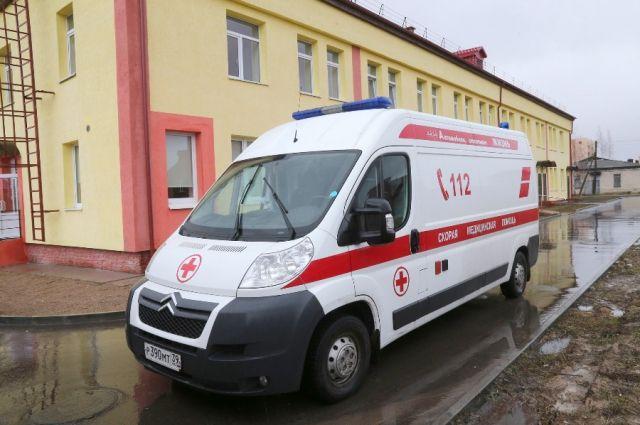 15-летняя жительница Калининграда упала с балкона на 4 этажа жилого дома.