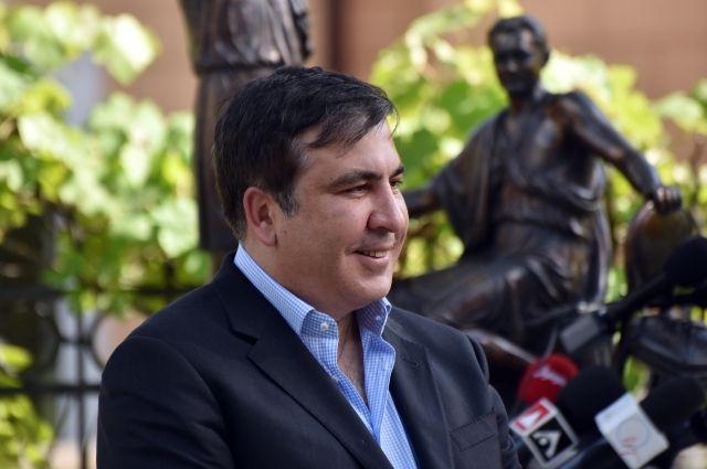 Саакашвили пока что непланирует покидать Одессу