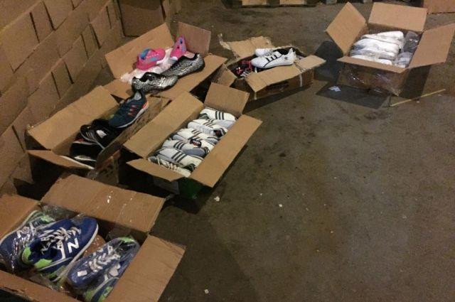 ВОдессу прибыла «партия» брендовой обуви имобильников на8 млн грн
