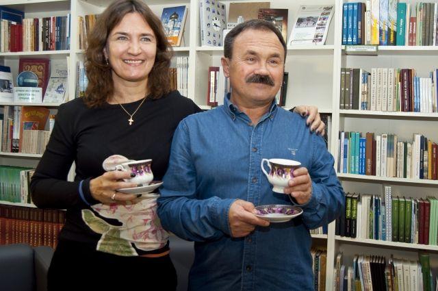 По мнению Литвиновых, писатели из провинции более трудолюбивые.