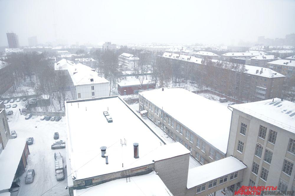 Сильный снегопад накрыл Пермь во вторник, 8 ноября.