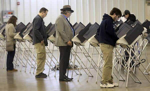 Избиратели во время президентских выборов в США в Огайо.