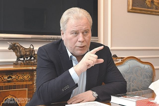 Анатолий Кучерена.